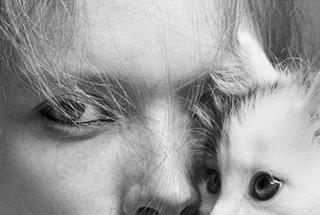 Карли Клосс снялась в спортивной фотосессии для ELLE