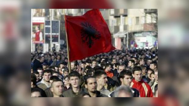 Ради вступления в Евросоюз Сербия идет на уступки Косово
