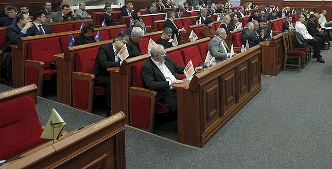 Киевсовет принял за основу Программу развития единого парковочного пространства в Киеве до 2015 года