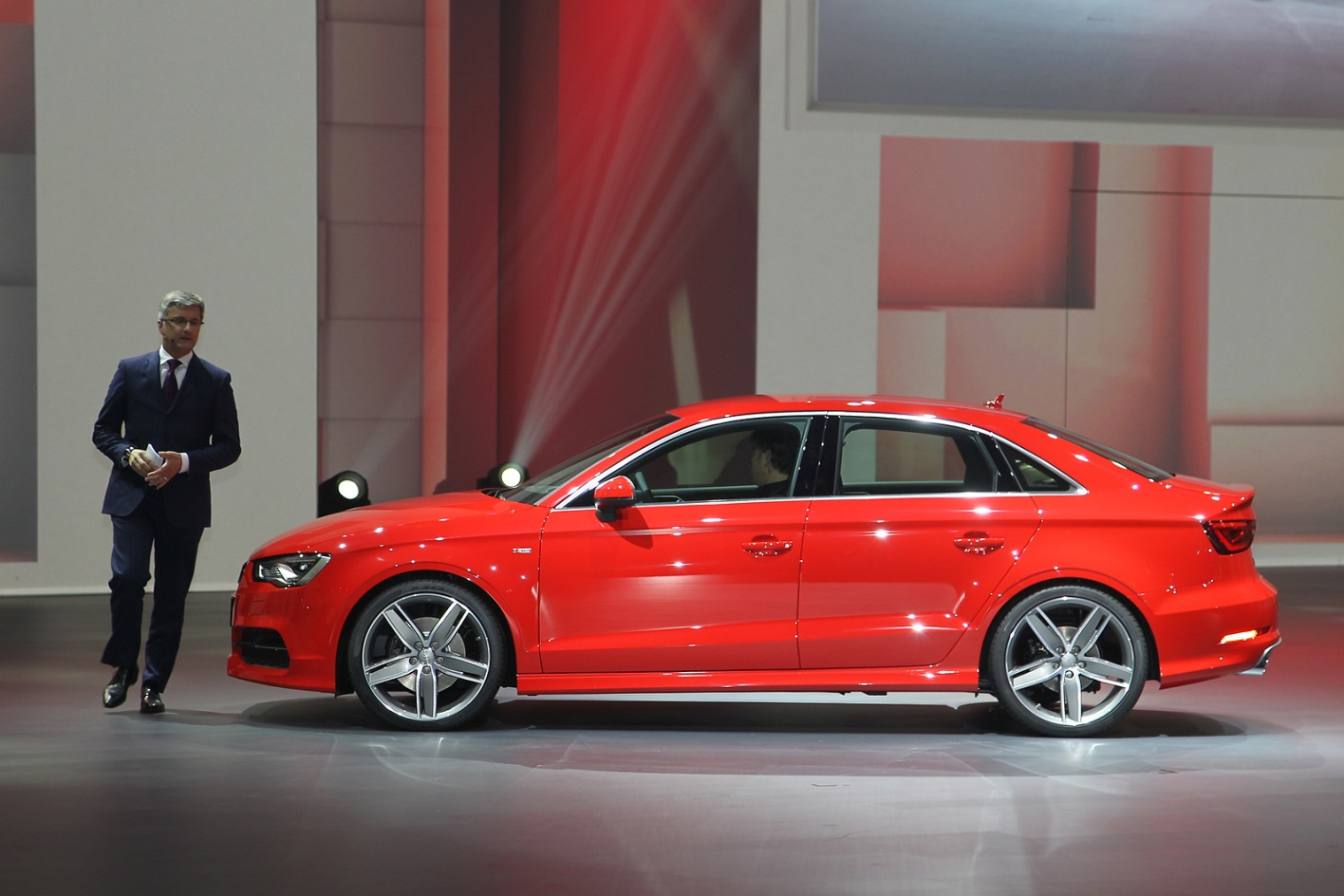 Седан Audi S3 – вперед, в будущее
