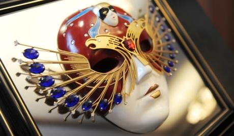 Премия «Золотая маска» на зеркальной подставке