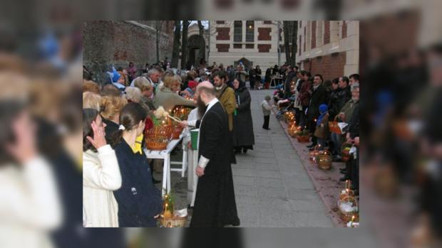 Освящение куличей на Пасху в православном храме