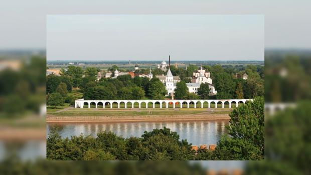 Великий Новгород. Теперь здесь в библиотеке «жаждущим» делать нечего