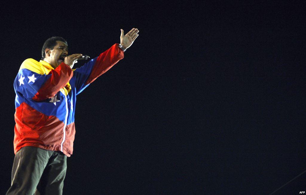 Новый президент Венесуэлы Николас Мадуро во время выступления на одном из митингов перед выборами