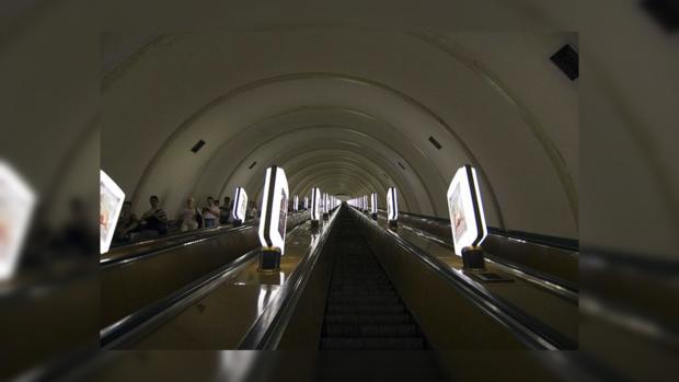 Эскалатор на станции метро «Печерская»