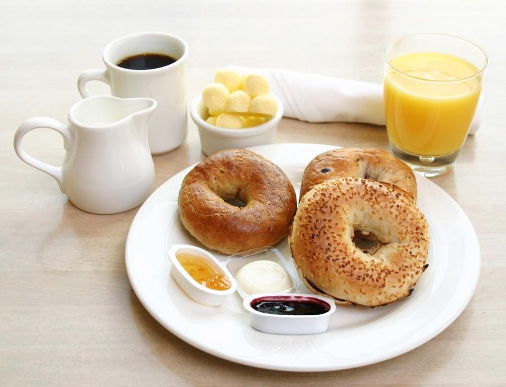 Если съесть меньше за завтраком, можно похудеть