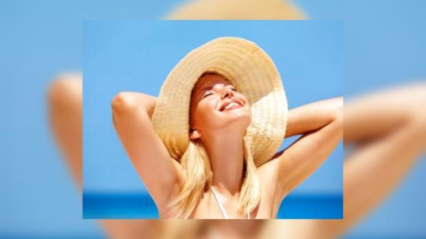 Во время солнечных ванн ваши волосы нуждаются в двойной защите
