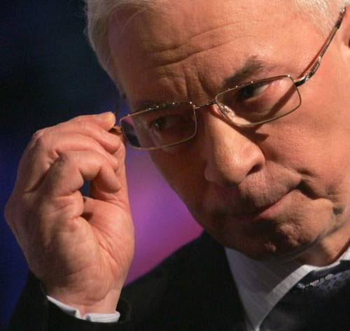 Миколу Яновича колеги поставили у незручне становище