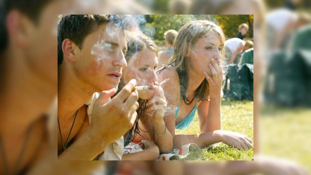 Курят, чтобы снять стресс