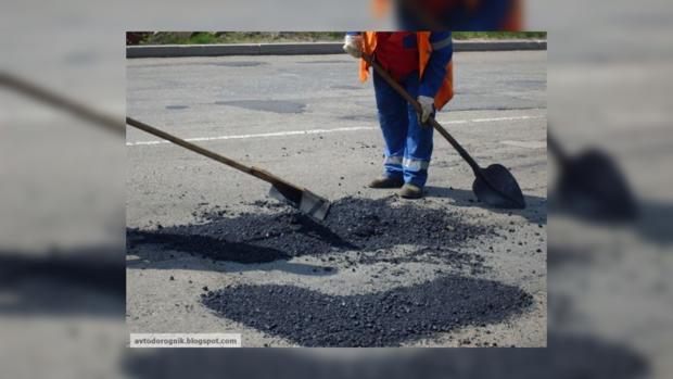 «Укравтодор» обещает справиться с ямами в скором времени