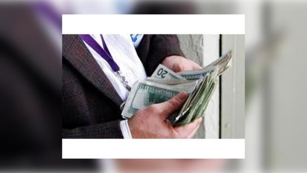 Не в деньгах счастье, а в их количестве )))