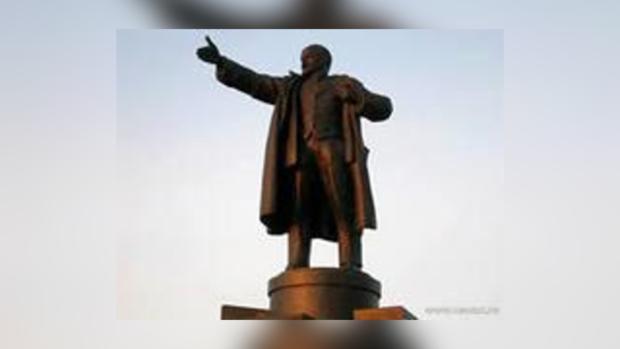 Памятники так и останутся в городе