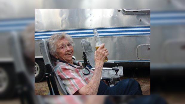 В свои 102 года Дороти себе ни в чем не отказывает