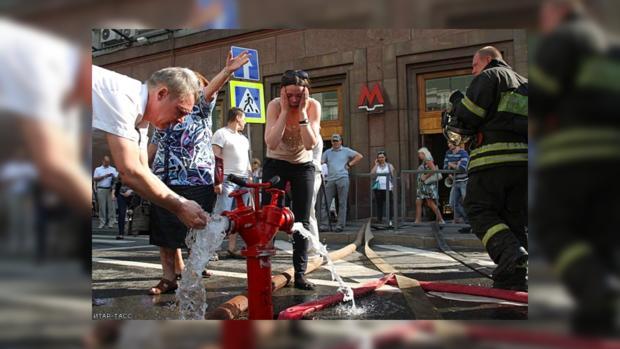 Пассажирам московского метрополитена сегодня утром пришлось пережить жуткий стресс