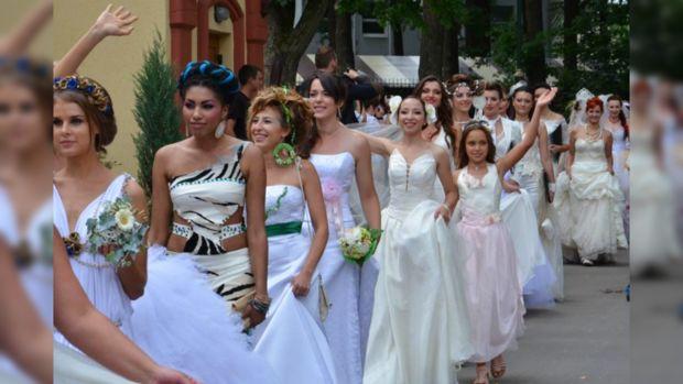 Невест собралось немало