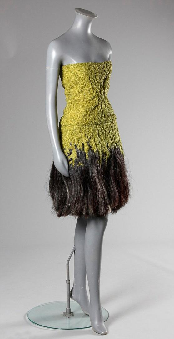 Изабелла Блоу любила при жизни экстравагантные наряды.