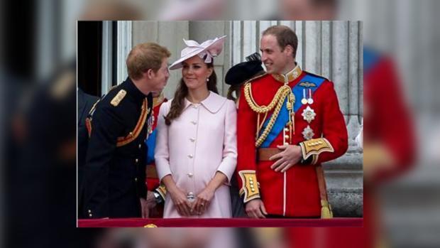 Принцы Гарри и Ульям, герцогиня Кэтрин на балконе Букингемского дворца