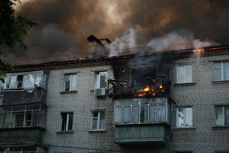Вот такой вид имела злосчастная квартира к моменту прибытия пожарных