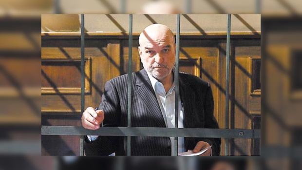 Бескомпромиссный Петрович готов к новым запутанным делам.