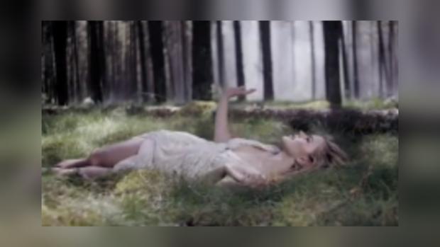 Эмили де Форест в новом клипе на песню Only teardrops