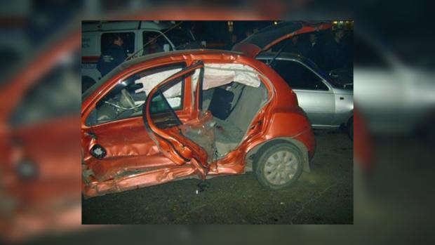 Nissan Micra с девушкой-водителем разбил 5 автомобилей