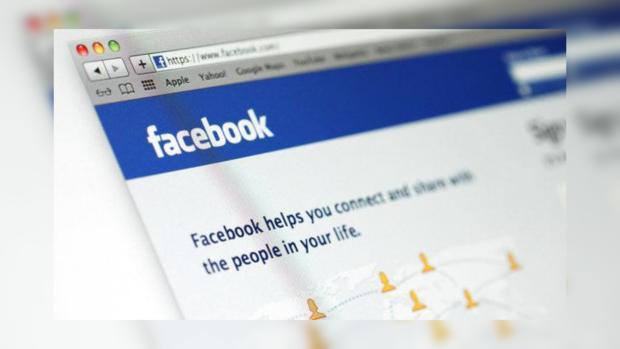 Facebook разрешила комментировать записи при помощи фото