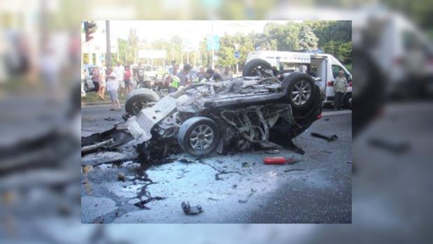 В ДТП в Киеве погибло 2 пассажира Infiniti: сотрудник СБУ и девушка