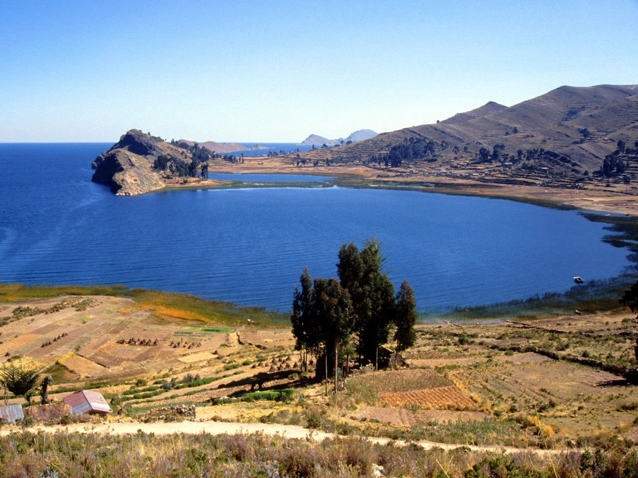 как называется самое высокогорное озеро на земле проведение