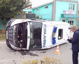 """ДТП в Евпатории: внедорожник Subaru столкнулся со """"скорой"""""""
