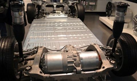 Автомобиль Tesla будет ездить на батареях Panasonic