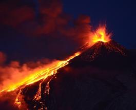 Вулкан Этна снова проснулся, в Катании закрыли аэропорт