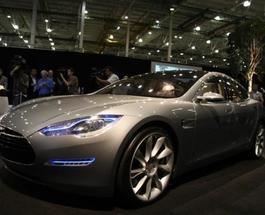 Tesla Model S - автомобиль года по версии Consumer Reports