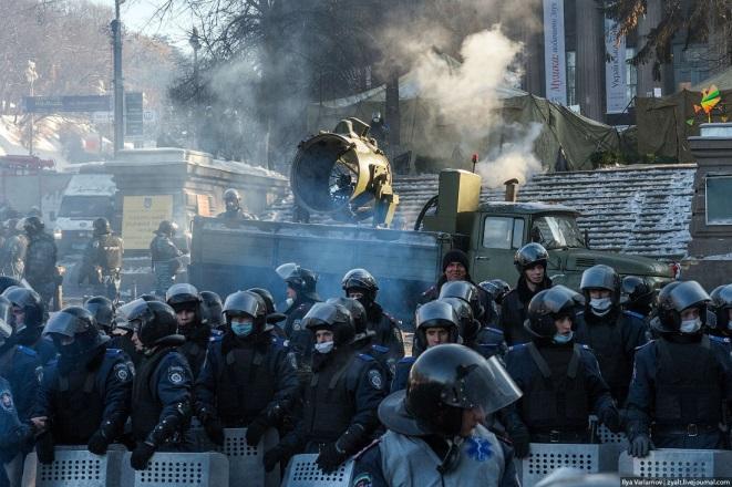 Ситуация в Киеве: убивают демонстрантов.