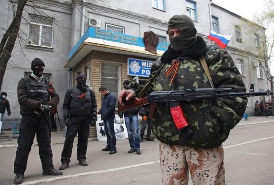Арсен Аваков: в Славянске радикалы прикрываются живым щитом из населения, число раненых возросло.