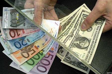 Курс валют на межбанке доллар вырос
