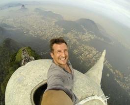 Статуя Христа-Искупителя в Рио-де-Жанейро: первое селфи с вершины символа Бразилии