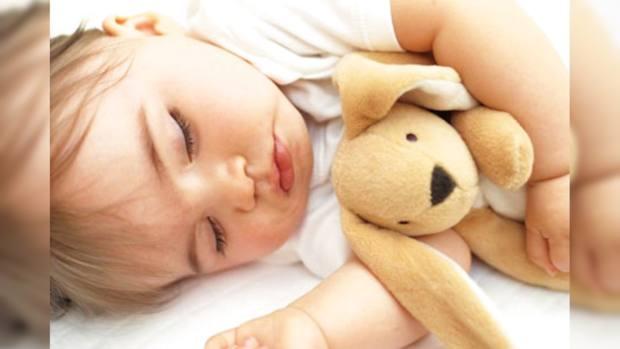 Как уложить ребенка спать без грудного кормления ночью