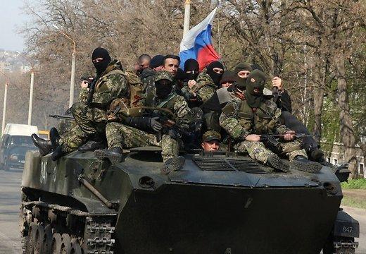 Ситуация на Донбассе: подкрепления и бронетехника из России идет непрерывно днем и ночью.