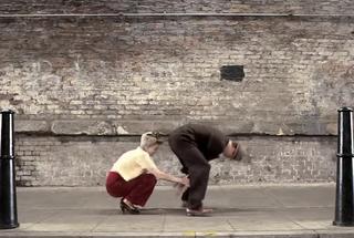 Интересное видео: 100 лет моды за 100 секунд