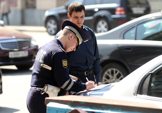За минувшие сутки на дорогах Киева было зарегистрировано 498 различных нарушений правил дорожного движения.