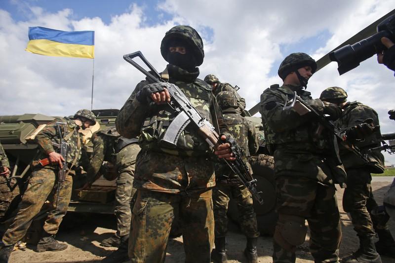 Украинская армия и милиция по приказу