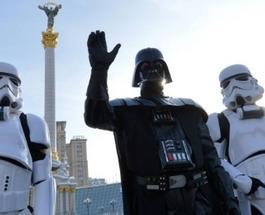 Выборы в Украине: Дарт Вейдер начал свою предвыборную кампанию