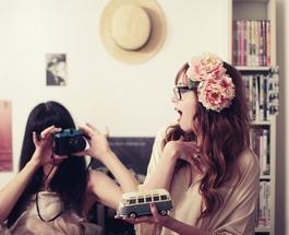 Приметы и суеверия о личной жизни: что делать, если подруга посмотрела на вас в зеркале