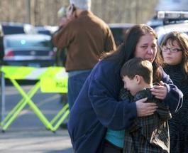 Стрельба в США: Причиной расстрела учеников одной из школ назвали безответную любовь