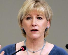 Министр иностранных дел Швеции в Украине посплетничает с женщинами из Верховной Рады