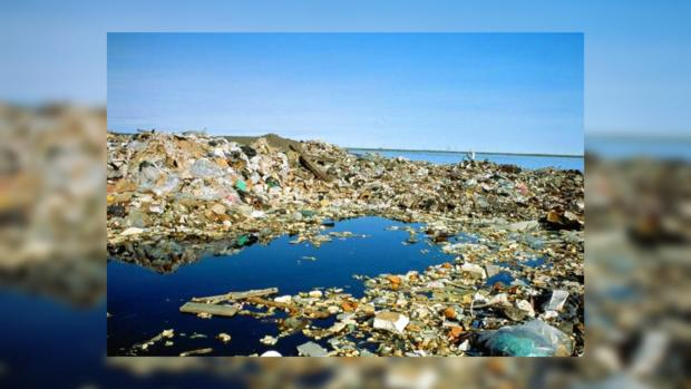 how plastic effects environment Plastic is a very hazardous material with respect to its effects on the environment it does not degrade or decompose easily and dumping it in large quantities can create landfills and garbage dumps.
