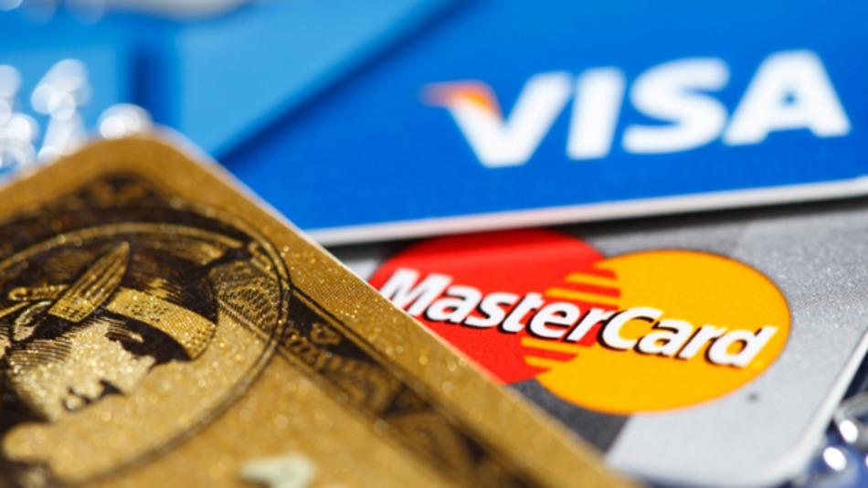 В Крыму уже не рассчитаться ни карточкой Visa, ни Master Card