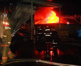 Пожар в Киеве: сгорел весь товар на складе интернет-магазина «Rozetka»