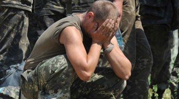 Картинки по запросу солдат плачет