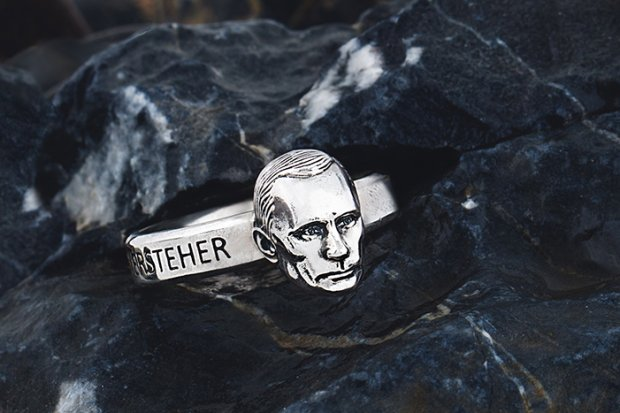 Putinkopf: в России началась продажа перстней с головой Путина